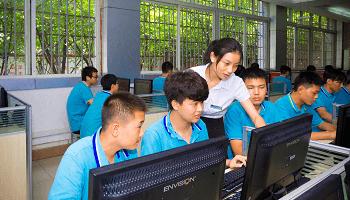 四川新华电脑学院软件实训基地